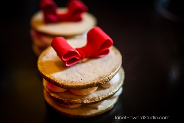 Red Bow Cookies